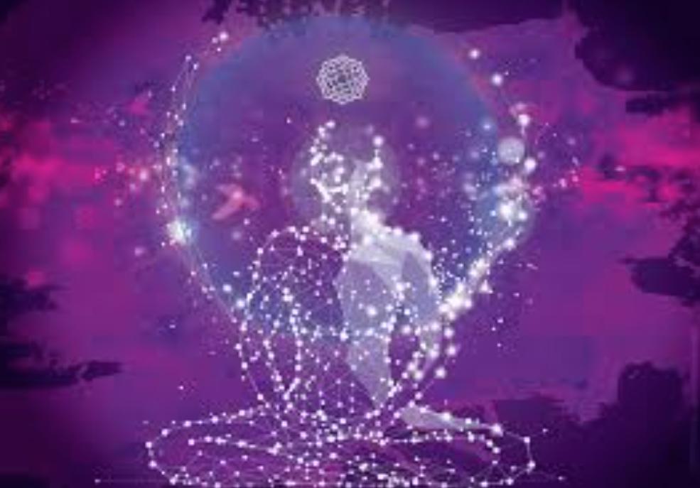 Sahasrara – Taç Çakra  Sahasrara Çakranın İlahi Enerjisi Vücuttaki 7 çakra, enerji akışını koruyan bir lotus çiçeğinin taç yaprağı ile sembolize edilir. Tüm yaprakların tamamen açılması evrensel bir beden, zihin ve ruh dengesi sağlar. Sahasrara – Taç Çakra, ilahi enerjiyi harekete geçiren yedinci çakradır.